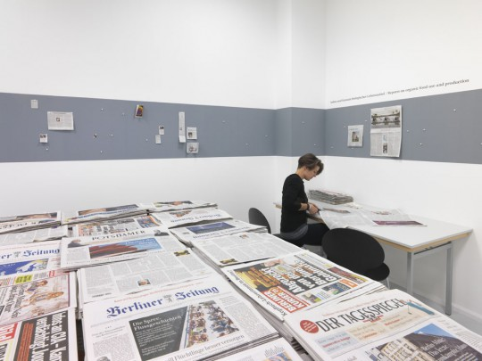 Gustav Metzger, Mass Media – Today and Yesterday (1972/2015), exhibition view Neuer Berliner Kunstverein, 2015, photo: Jens Ziehe